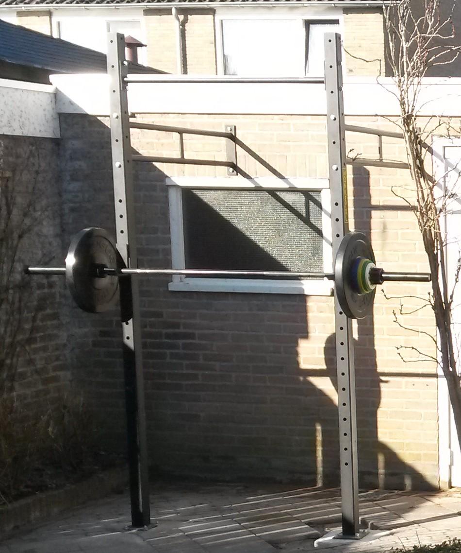 Squat / pull up rack