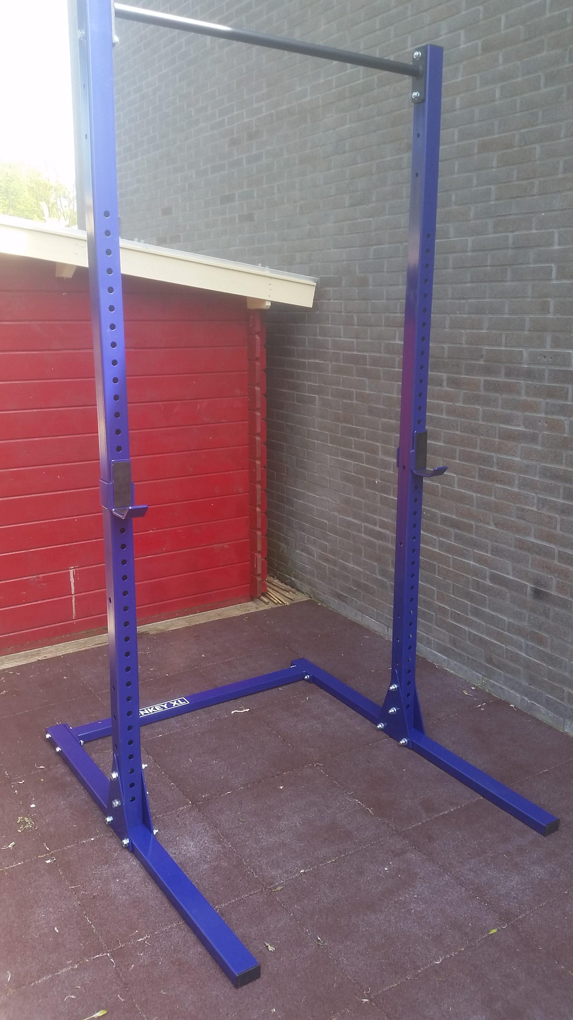 Free-standing-pull up -squat-rek